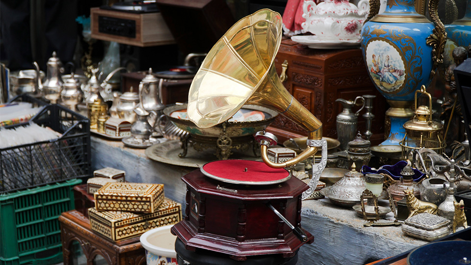 Discover collectables, antiques and retro finds in Camberwell